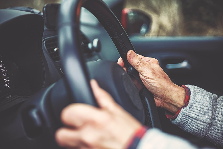 Is It Time for Your Elderly Loved One to Stop Driving?